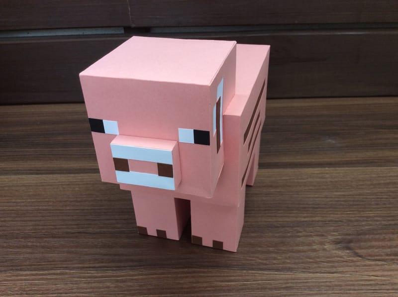 boneco minecraft porco