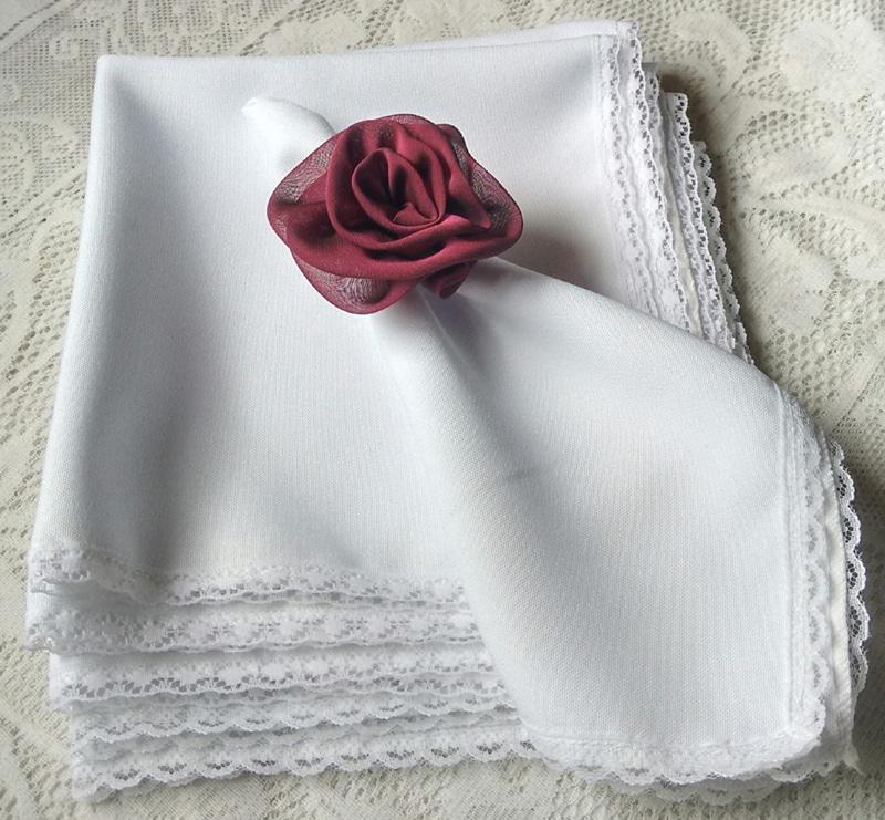 guardanapo com tecido com bico