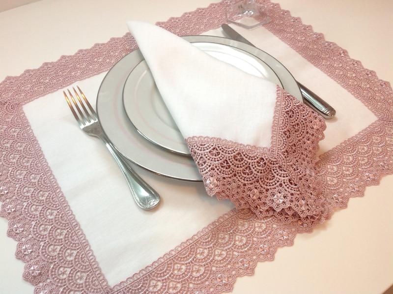 guardanapo com tecido com renda
