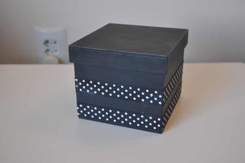 caixa decorada com fita