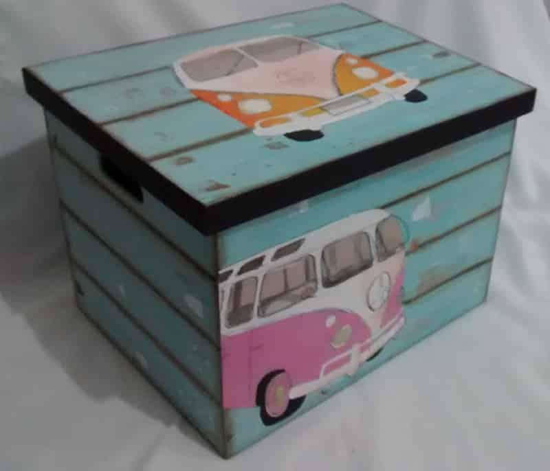 caixa decorada com apliques