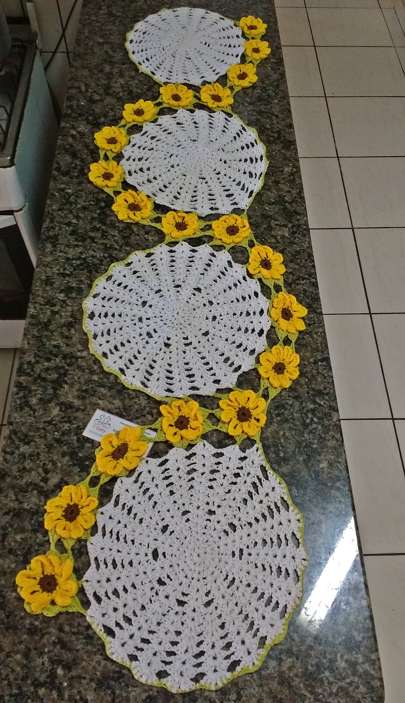 centro de mesa de croche com flor