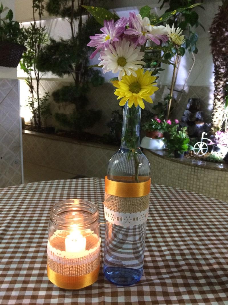 garrafa decorada com fitinhas