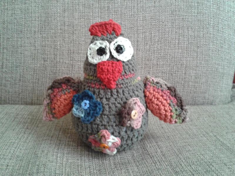 bichinho de crochê galinha