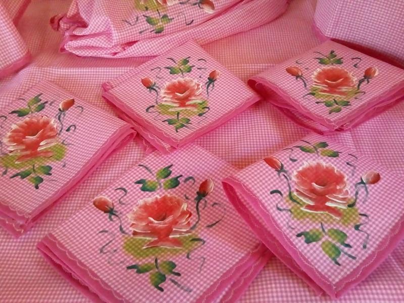 kit com rosas pintadas