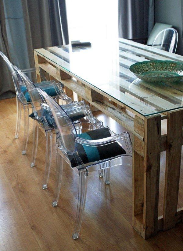 mesa de jantar feita de palete