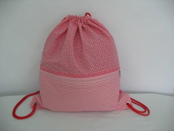 mochila tipo saco com bolso