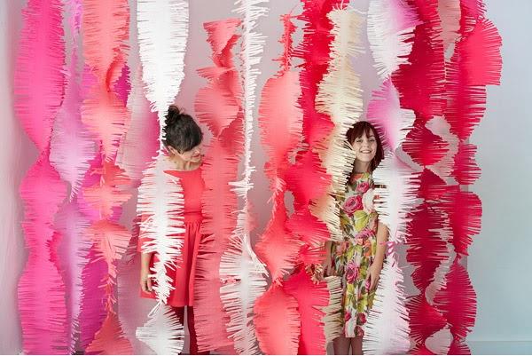 cortina de papel crepom com tirinhas