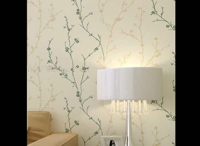 decoração com papel de parede simples
