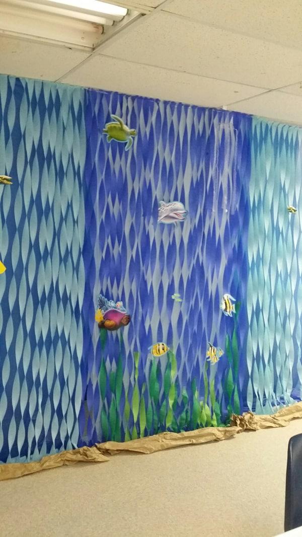 cortina de papel crepom na parede
