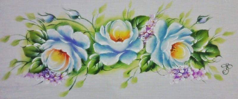 rosas pintadas em pano de prato