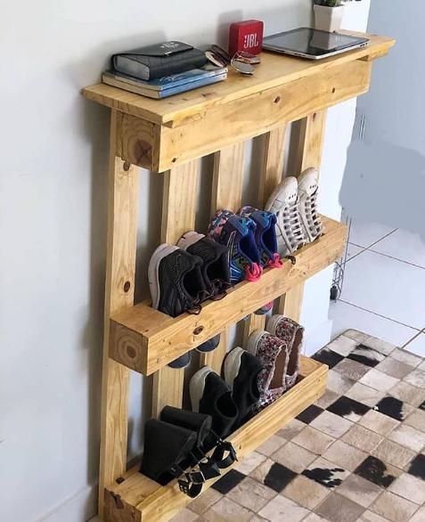 modelo de sapateira feita com palete
