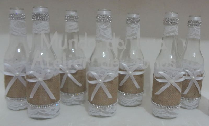 garrafa decorada com fitas