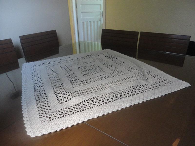 centro de mesa de croche branco