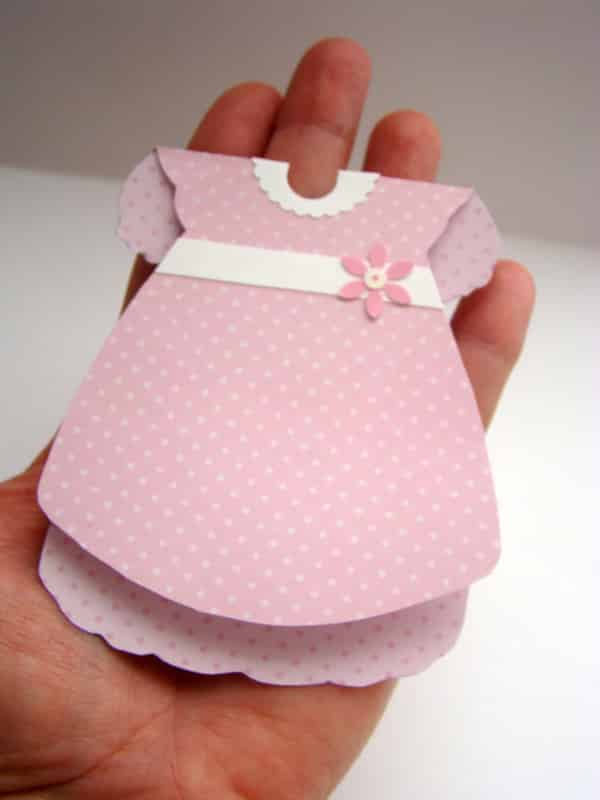 lembrança chá de bebê vestidinho