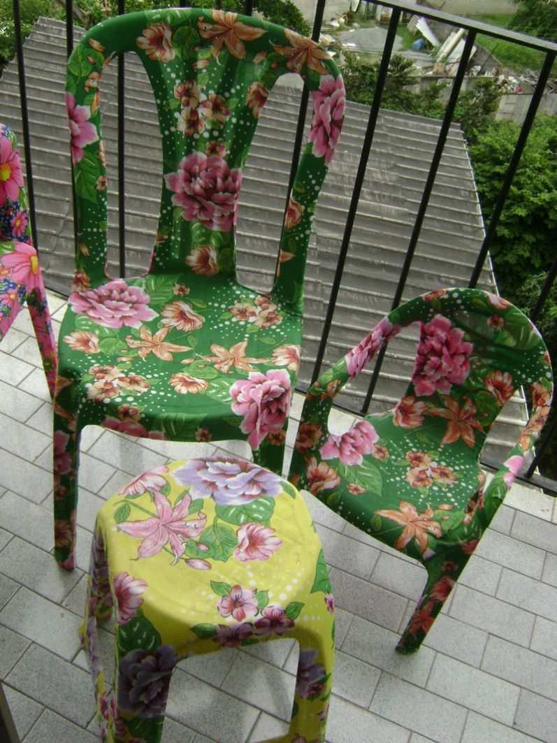 cadeiras decoradas chita