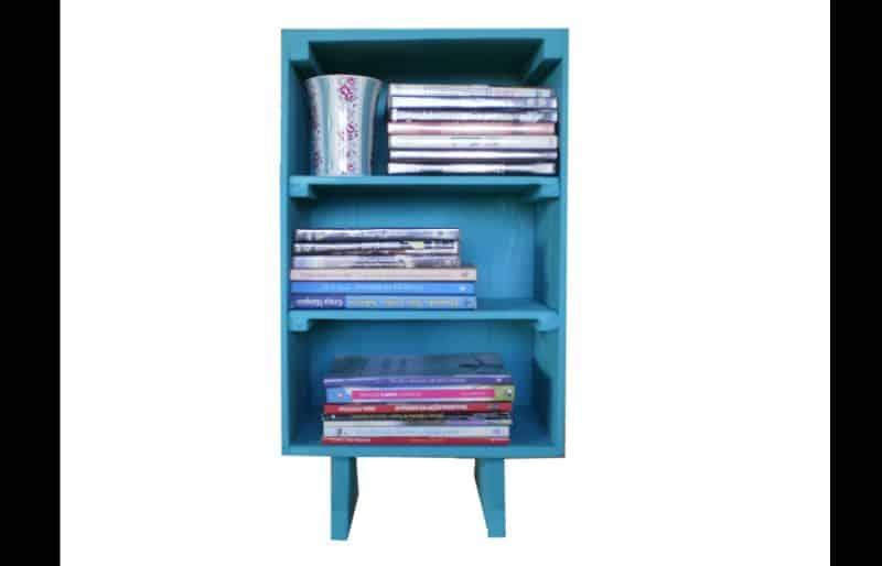 estante artesanal azul