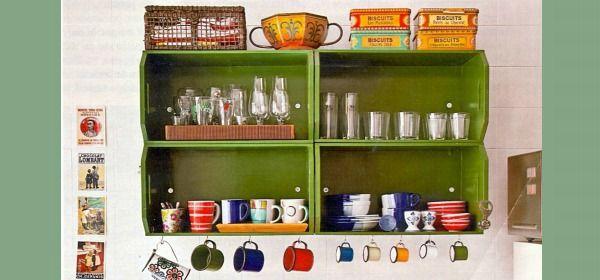 prateleira de cozinha de caixote
