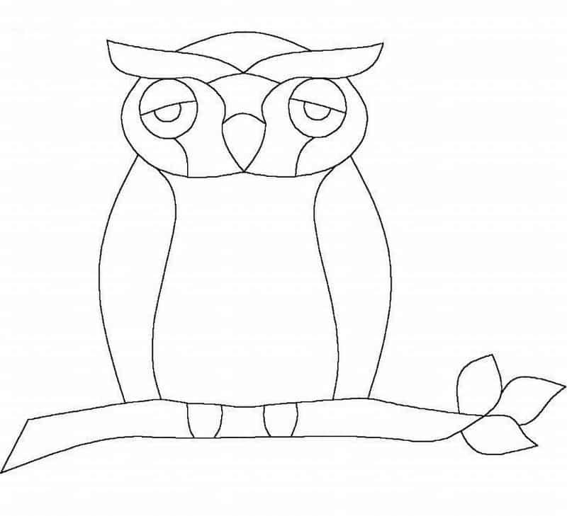 desenho de coruja pensativa