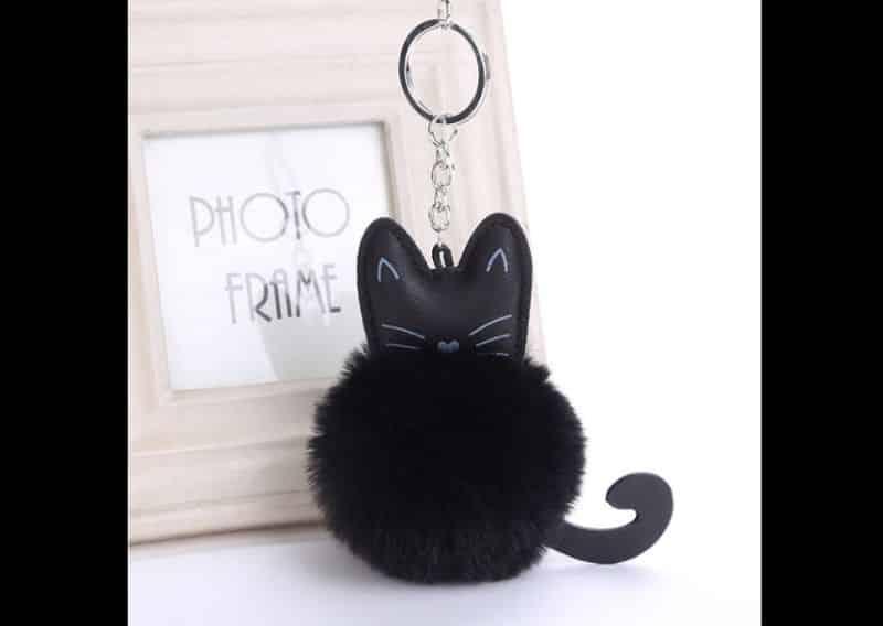 Chaveiro de pompom gato
