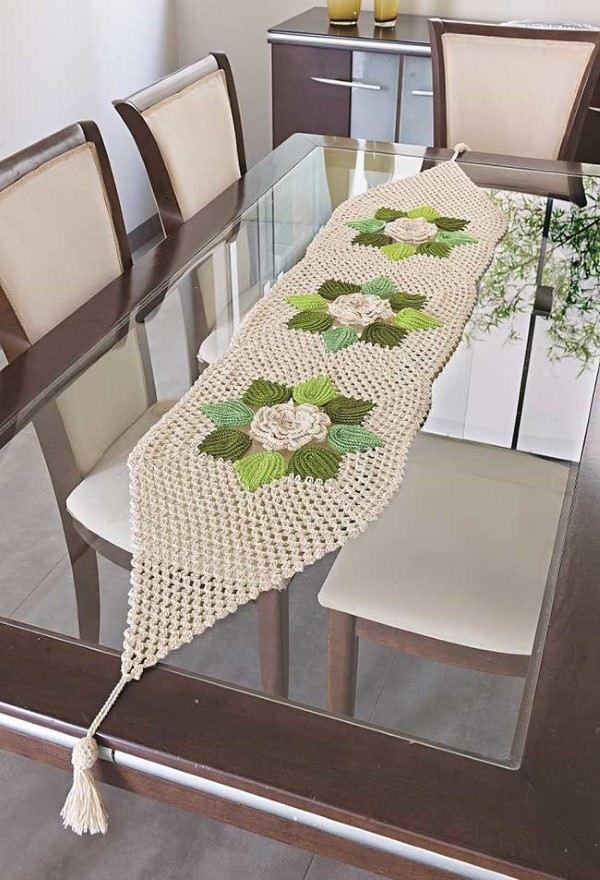 passadeira de croche com flores