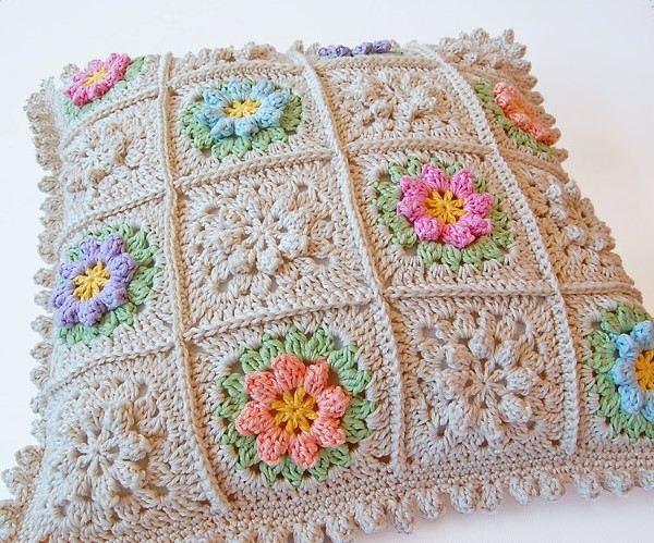 flor de croche pequena