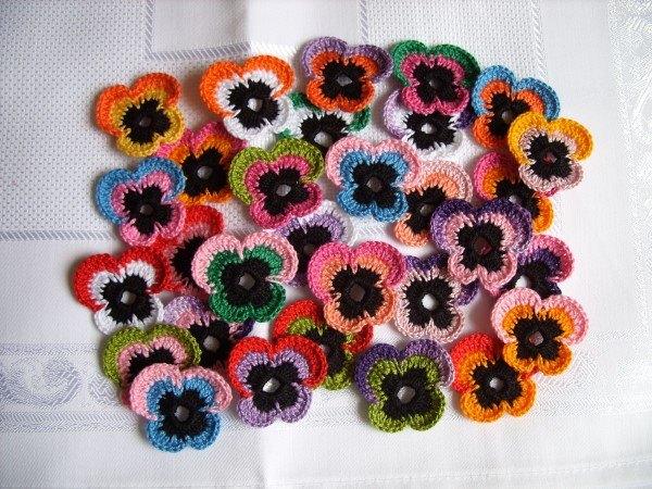 flor pequena de croche