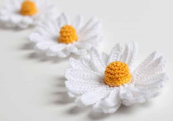 flores de croche em barbante margarida