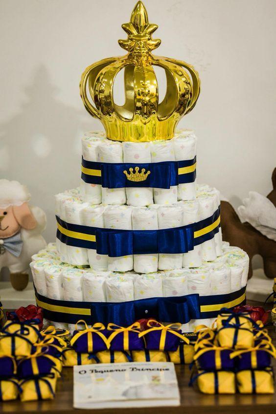 bolo de fralda com coroa