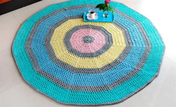 tapete de croche quadrado colorido