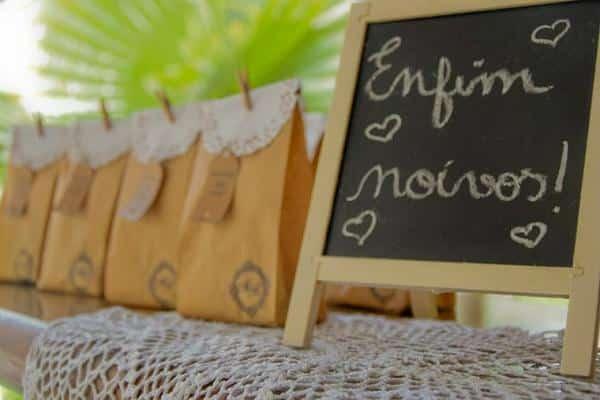 detalhes para decoração de noivado