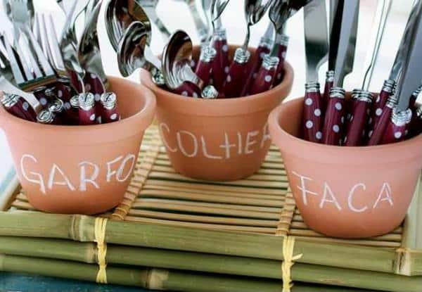 Organização de talheres em churrasco de noivado