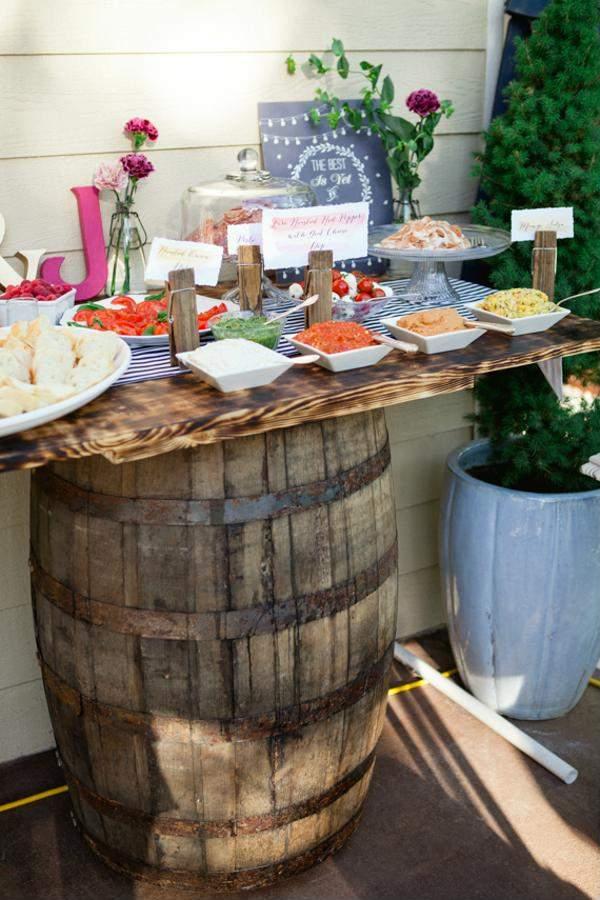 Mesa para festa improvisada