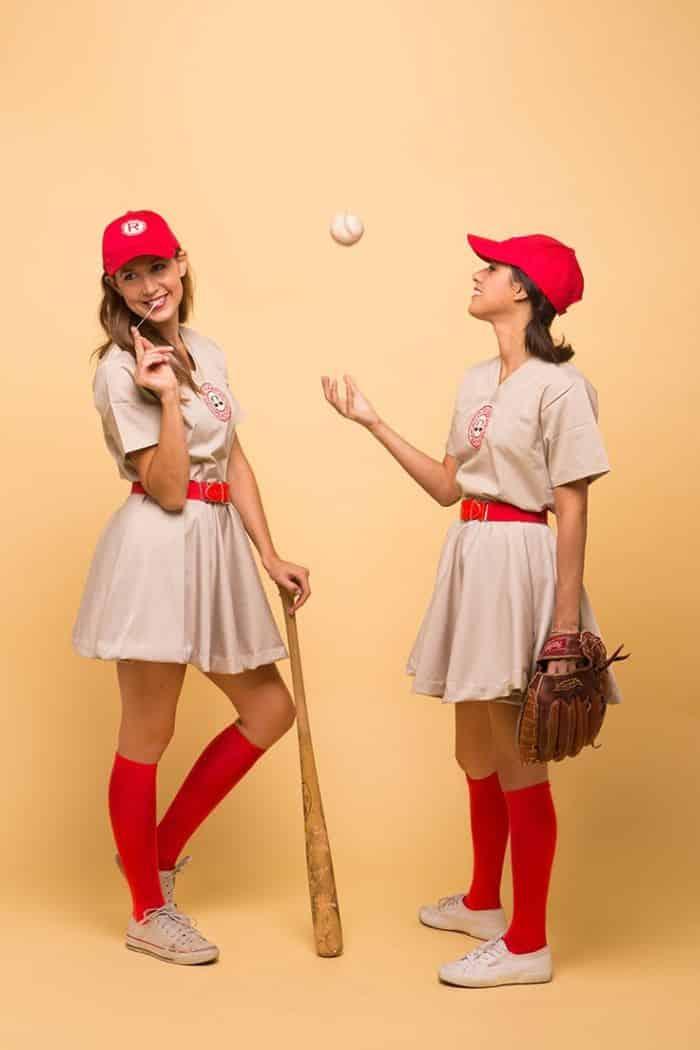 fantasia de jogadora de basebol com taco