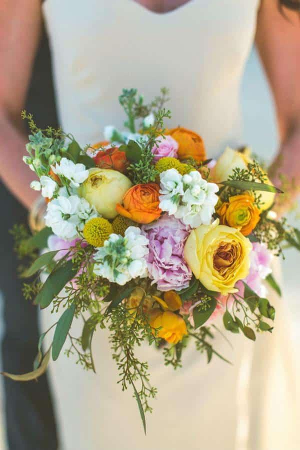 Buque colorido para casamento no campo ou praia