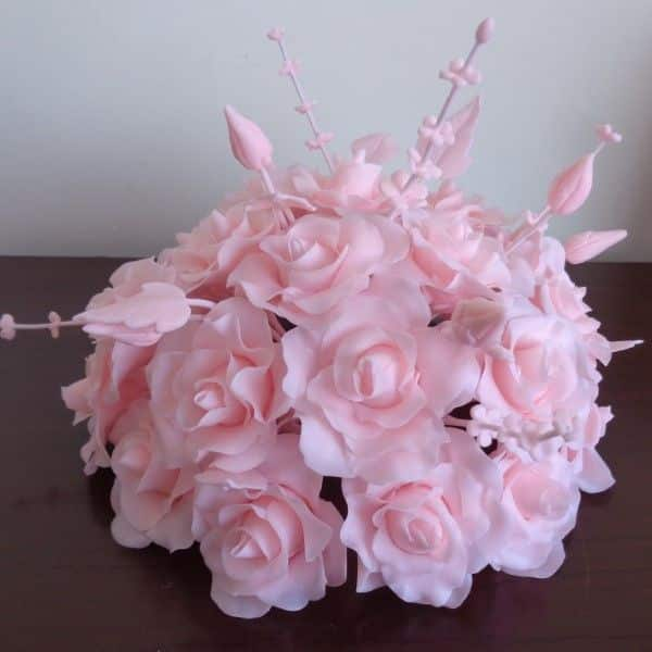 flores rosas em biscuit