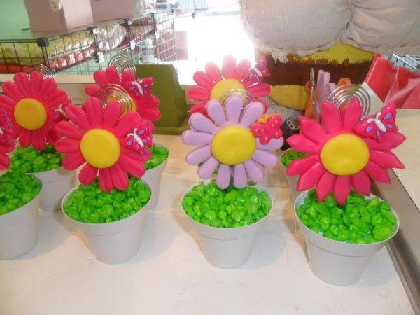 vasinhos de flores de biscuit