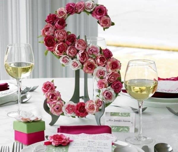 letra-decorativa com flores