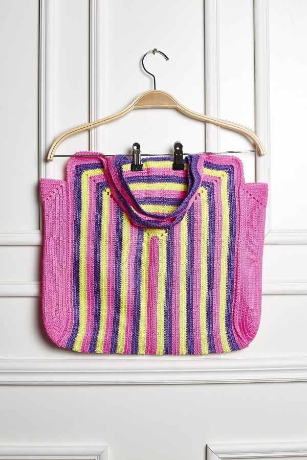 bolsa colorida de crochê