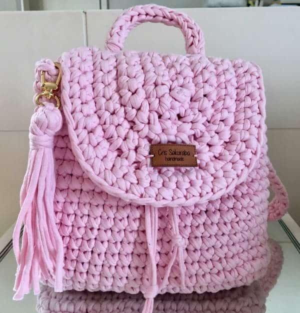 bolsa-estilo-mochila-pequena-em-croche