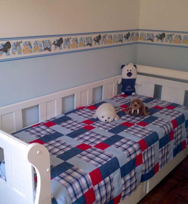 Colcha de Solteiro em patchwork azul para quarto de meninos
