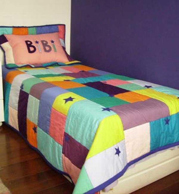 Colcha de solteiro em patchwork colorido