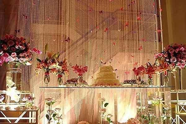 Cortina de miçangas decoração casamento