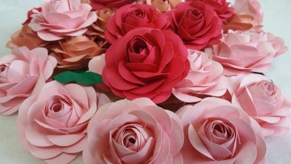 mini-rosas-em-papel-scrap-para-lembrancinhas
