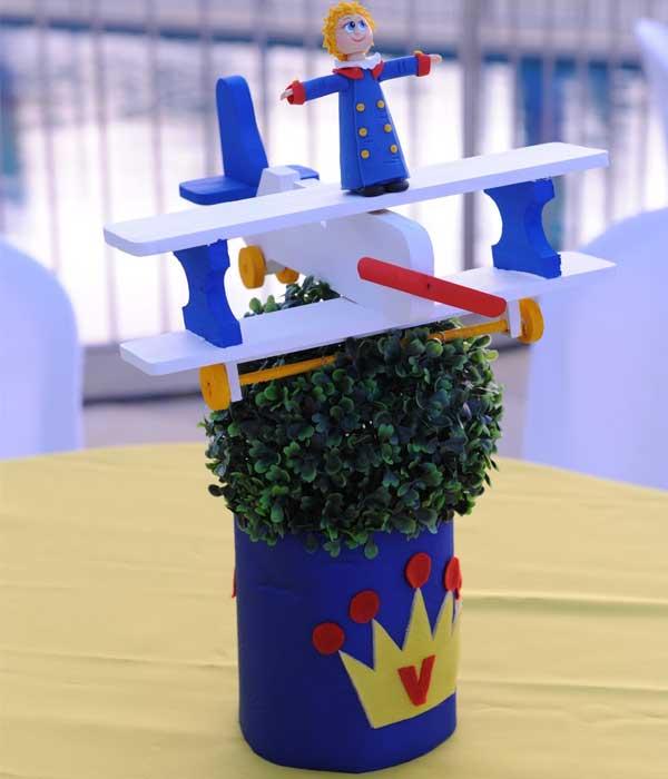 Lembrancinhas do pequeno príncipe centro mesa decorado
