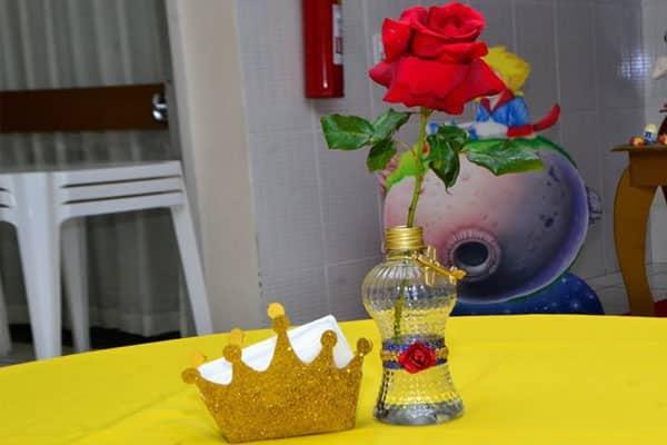 Lembrancinhas do pequeno príncipe centro mesa flor