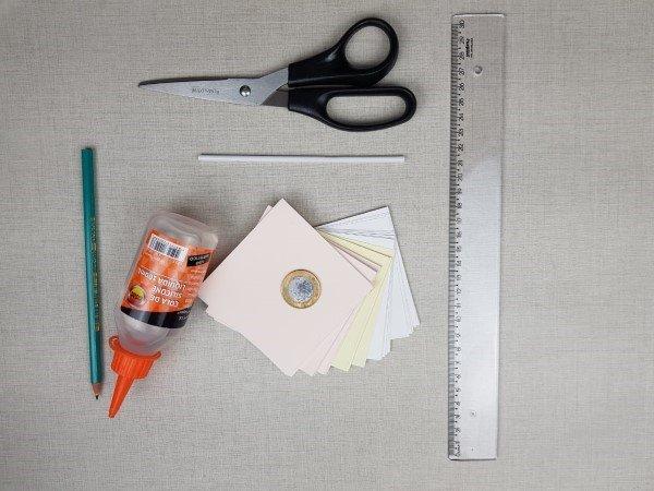 Materiais para confecção das flores de papel