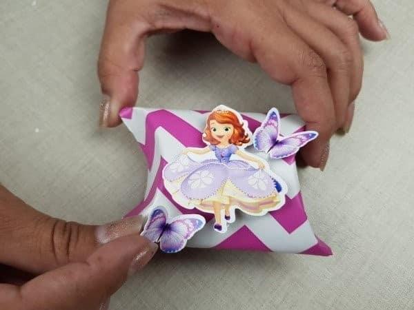 Personalizando lembrancinhas com rolo de papel higiênico 4