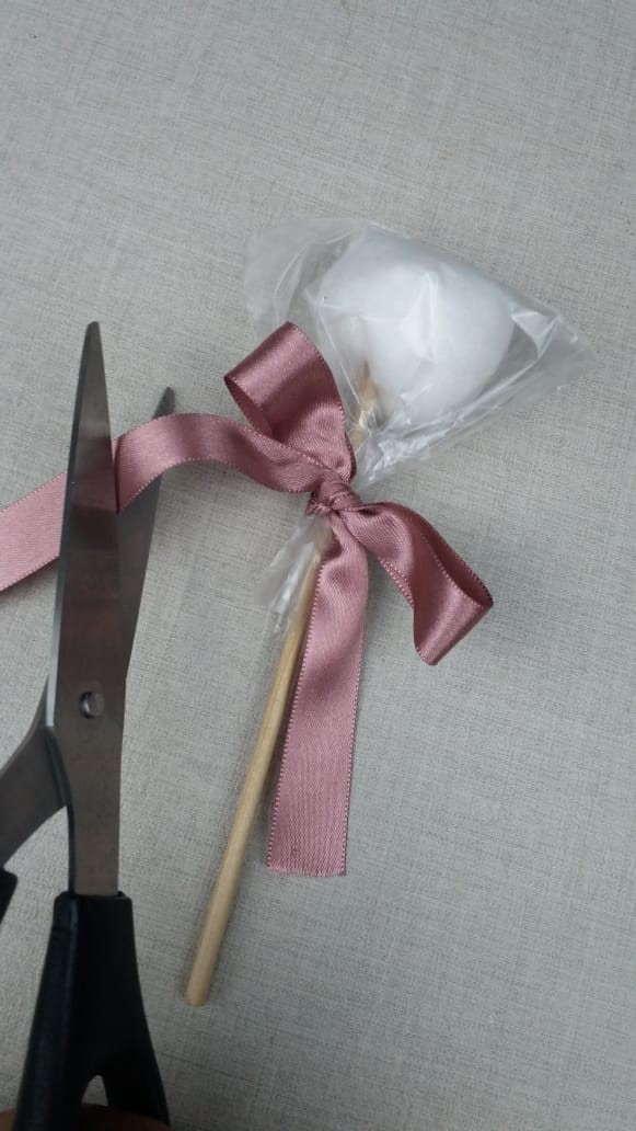 Lembrancinha bodas de algodão passo 5