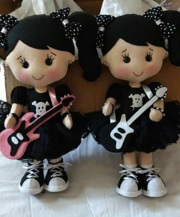 boneca de feltro rock
